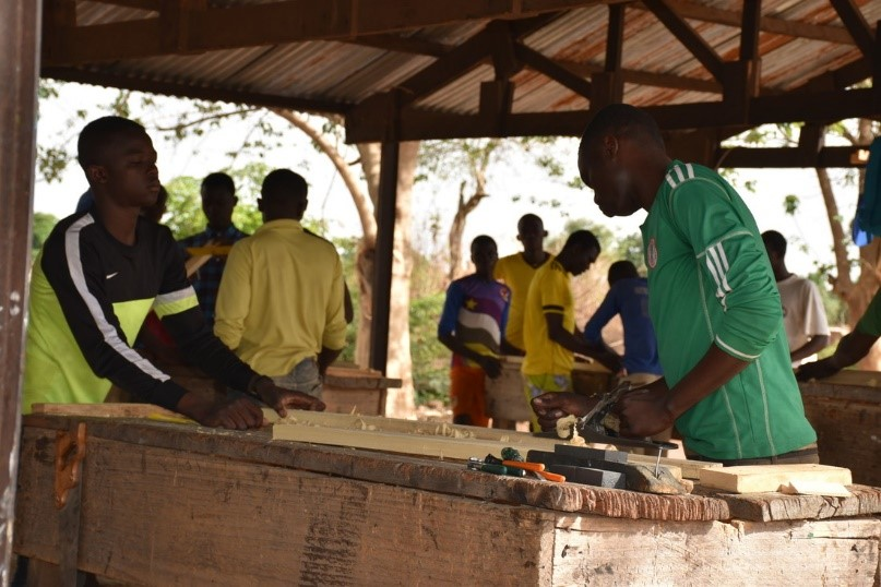 Training returnees in carpentry in Gore (South of chad)